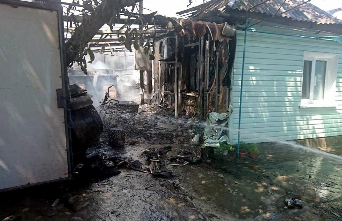 Общая площадь пожара составила 120 квадратных метров