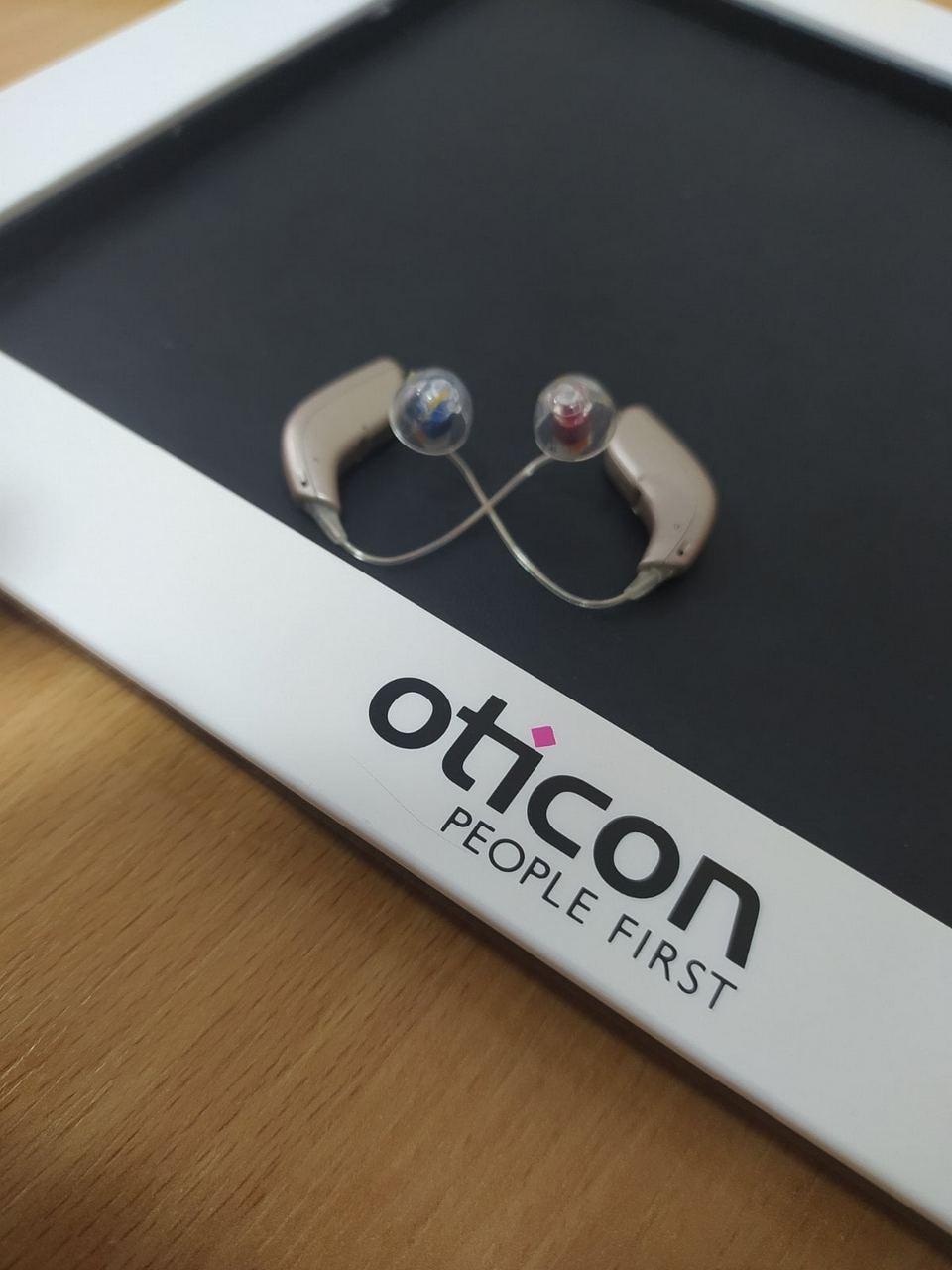 Компактные и почти незаметные слуховые аппараты