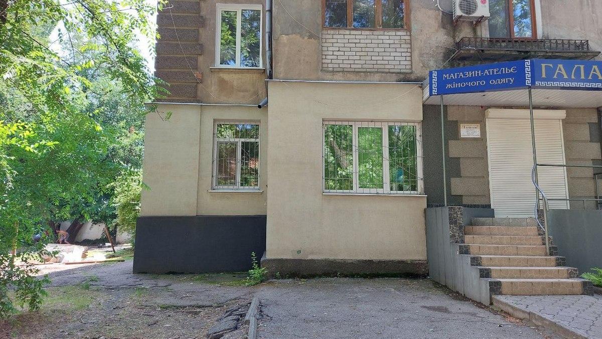 """жильцы дома № 61 против ограждения, которое закроет проход и въезд во двор со стороны магазина """"Галатея"""""""