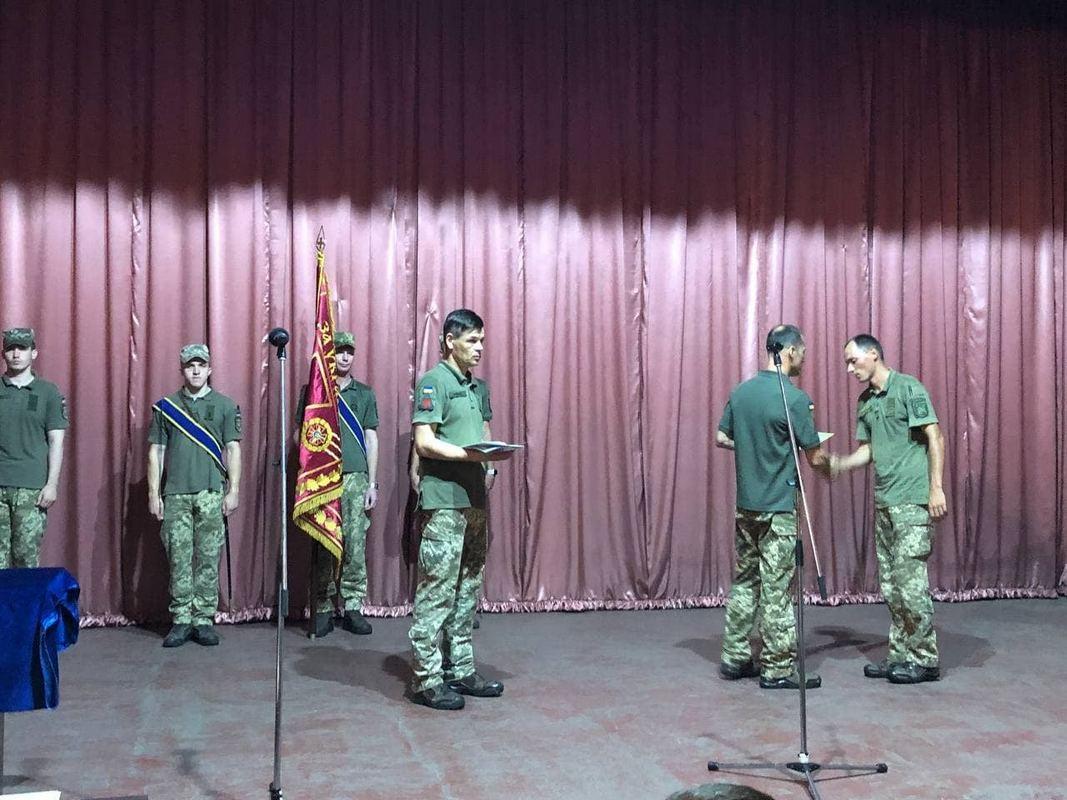 В Никополе 7 военнослужащих отметили наградами и премиями