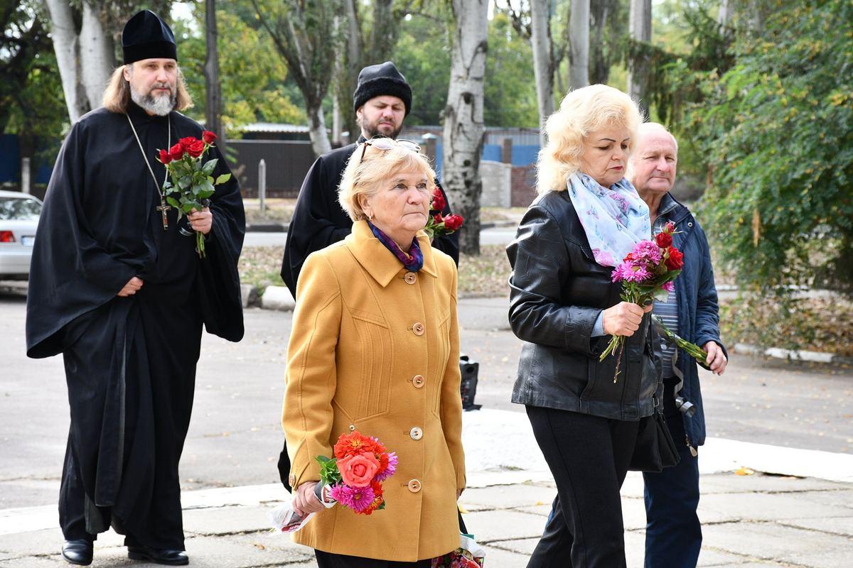 В Никополе возложили цветы в День партизанской славы