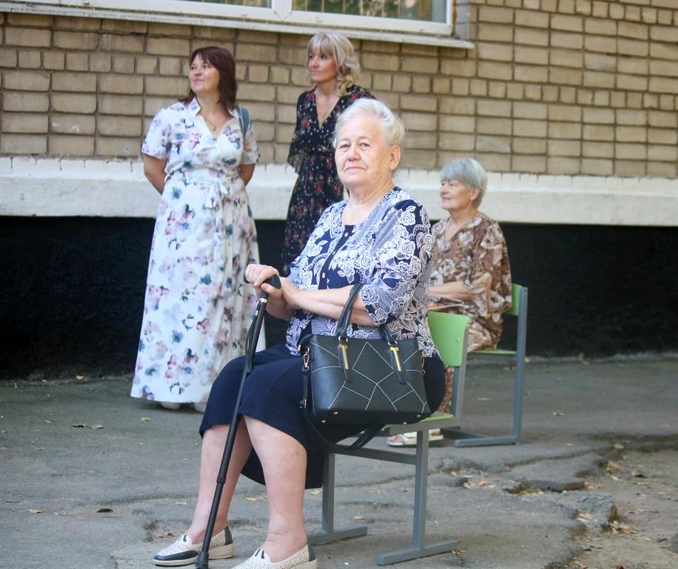 Грациозная дама преклонного возраста